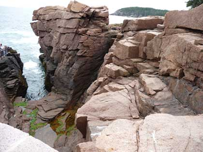 Long view of Thunder Hole