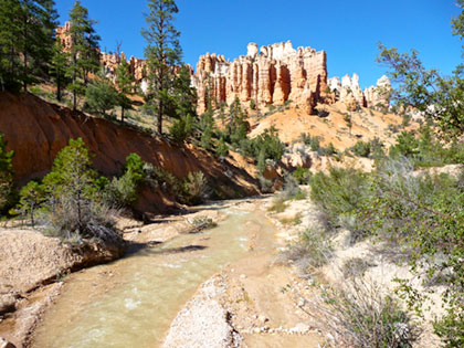 Tropic ditch Bryce Canyon with hoodoos in background