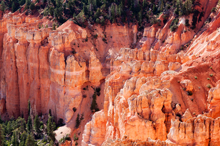Sunset at Bryce Canyon rocks glow red