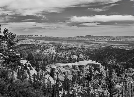 BW of area in Utah around Bryce Canyon