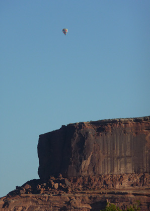 Hot air balloon in Canyonlands
