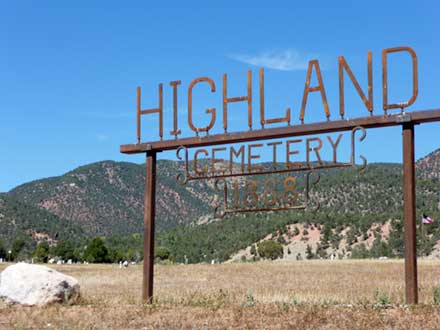 Sign for Highland Cemetary